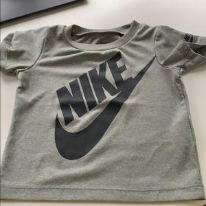 18m boys Nike top